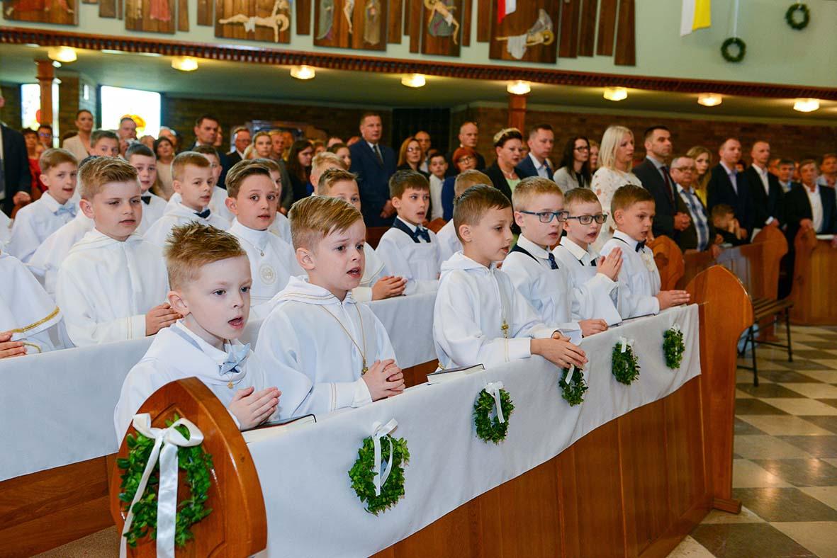 0906155d2c Pierwsza Komunia Święta w naszej parafii. – Parafia p.w. Nawiedzenia ...